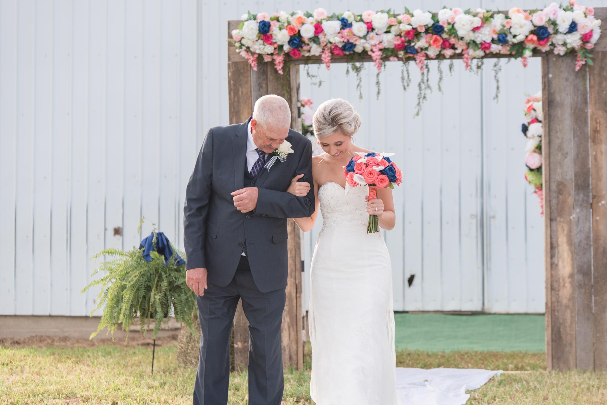 Mt Sterling, Winchester, Lexington, Dry Ridge, Paris, Covington, Kentucky wedding photographer, outdoor wedding, Lexington ky wedding photographers