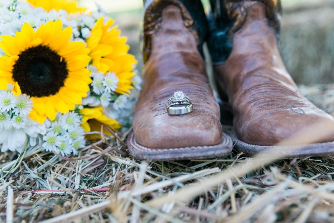 Clark County KY wedding photos, Winchester Kentucky wedding photographer, rustic wedding photography, ring shot, Kentucky bride, Kentucky wedding, Kentucky wedding photography