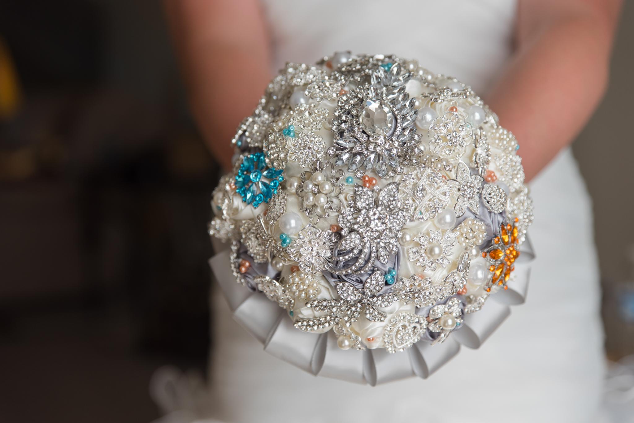 Kentucky bride, wedding bouquet, wedding flowers, KY bride, Kentucky wedding, Winchester KY wedding photography