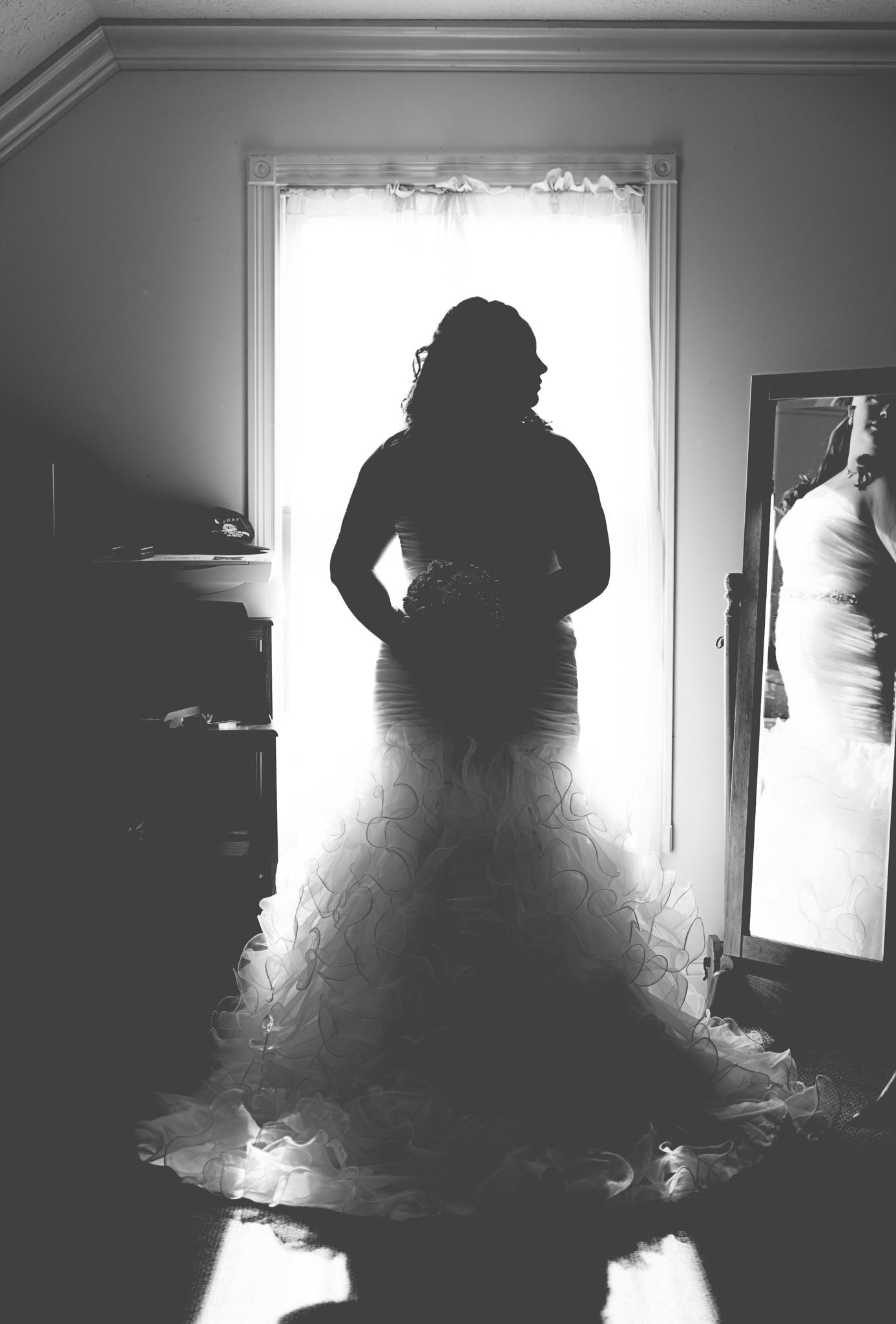 KY bride, getting ready, Kentucky wedding, Winchester KY photographer, Winchester KY wedding photographer