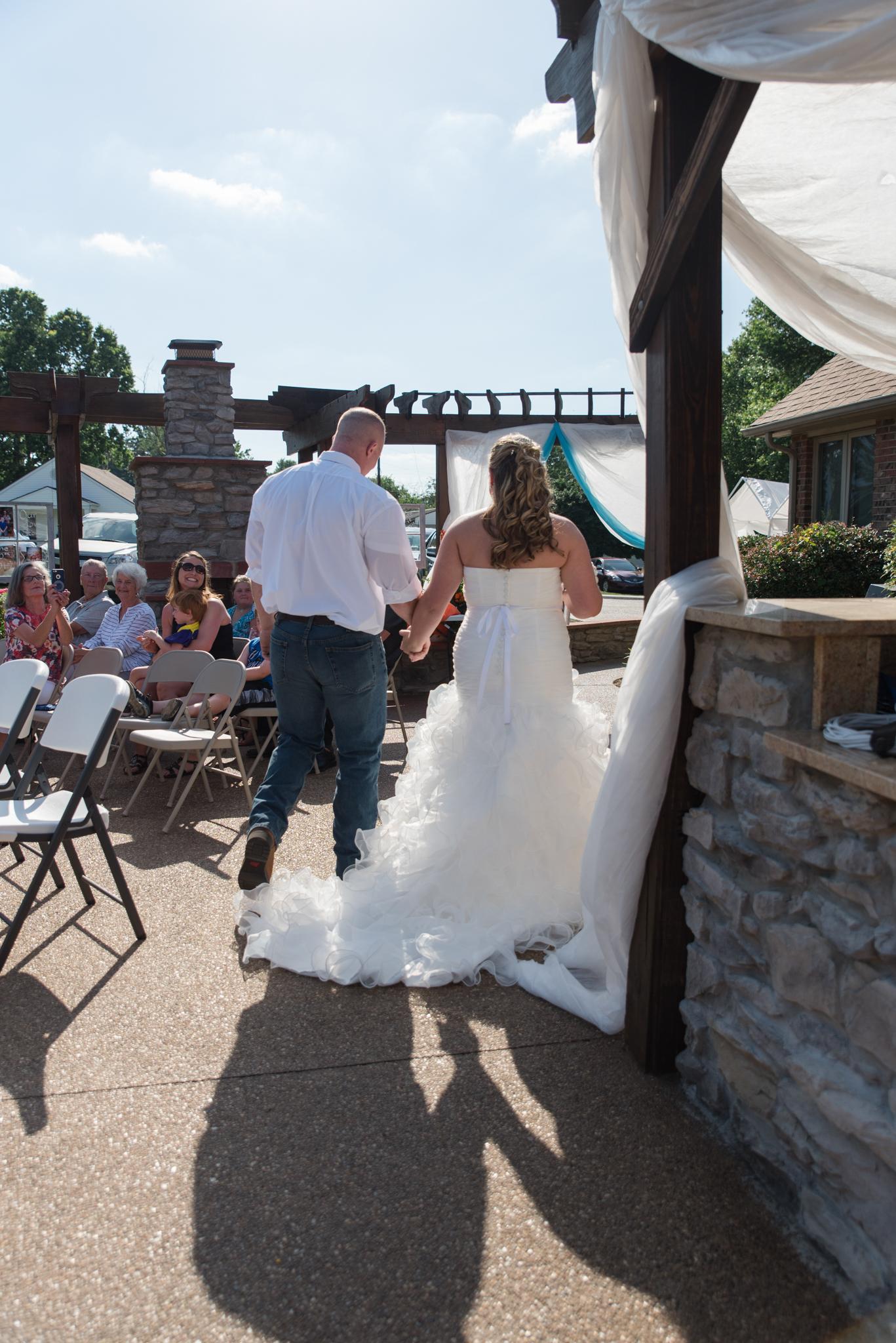 KY outdoor wedding, Paris KY, Paris KY wedding photographer, ky bride