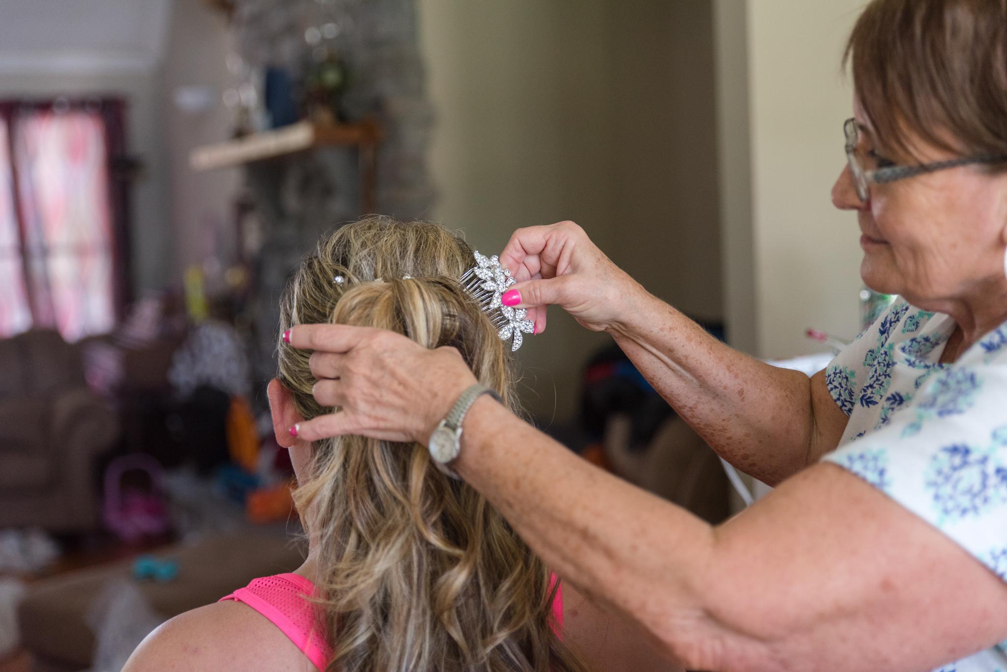 Getting ready, wedding hair, Kentucky wedding photography, KY bride