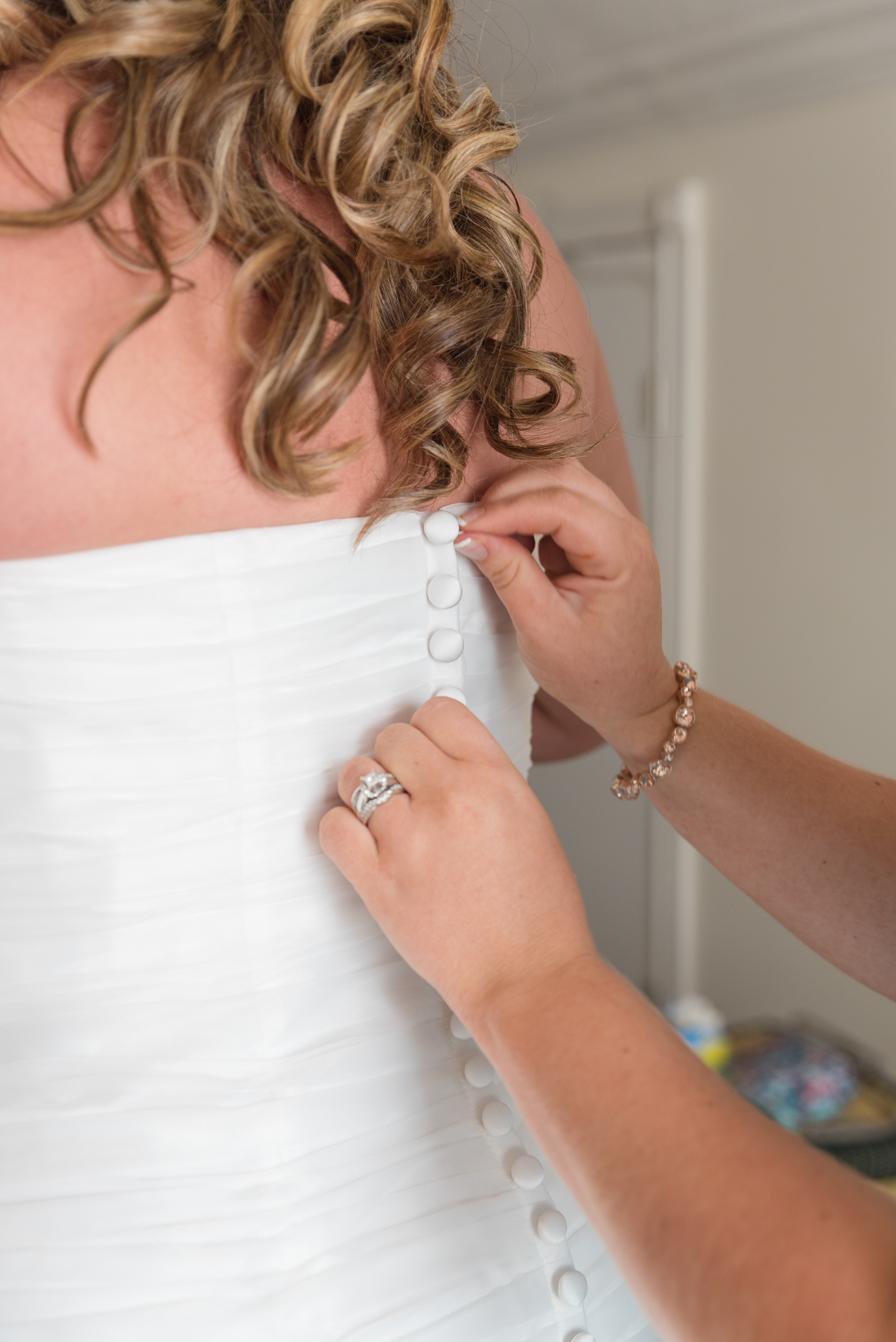 wedding dress, kentucky wedding, ky bride, details, Winchester KY wedding photographer