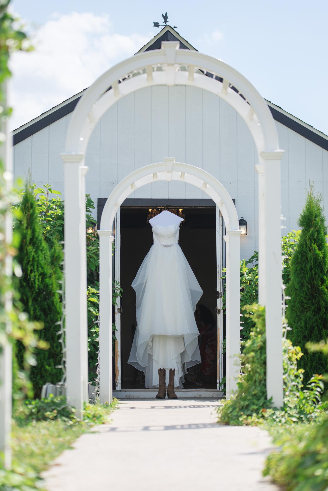 outdoor wedding, Kentucky wedding, wedding details, Lexington wedding photographer, Dry Ridge wedding photographer