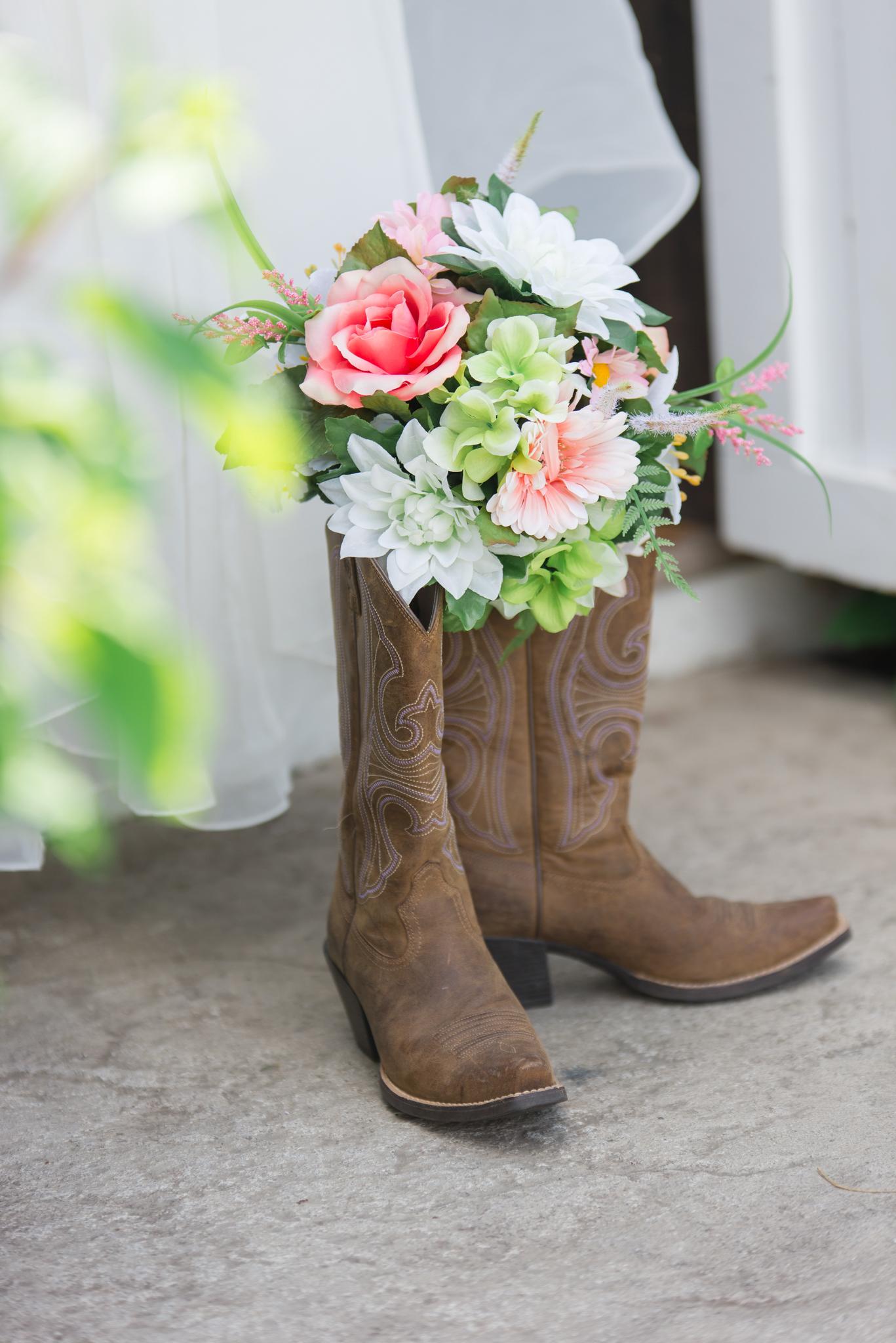 wedding details, boots, flowers, Kentucky wedding, outdoor wedding, Lexington, Dry Ridge, Louisville, Campton