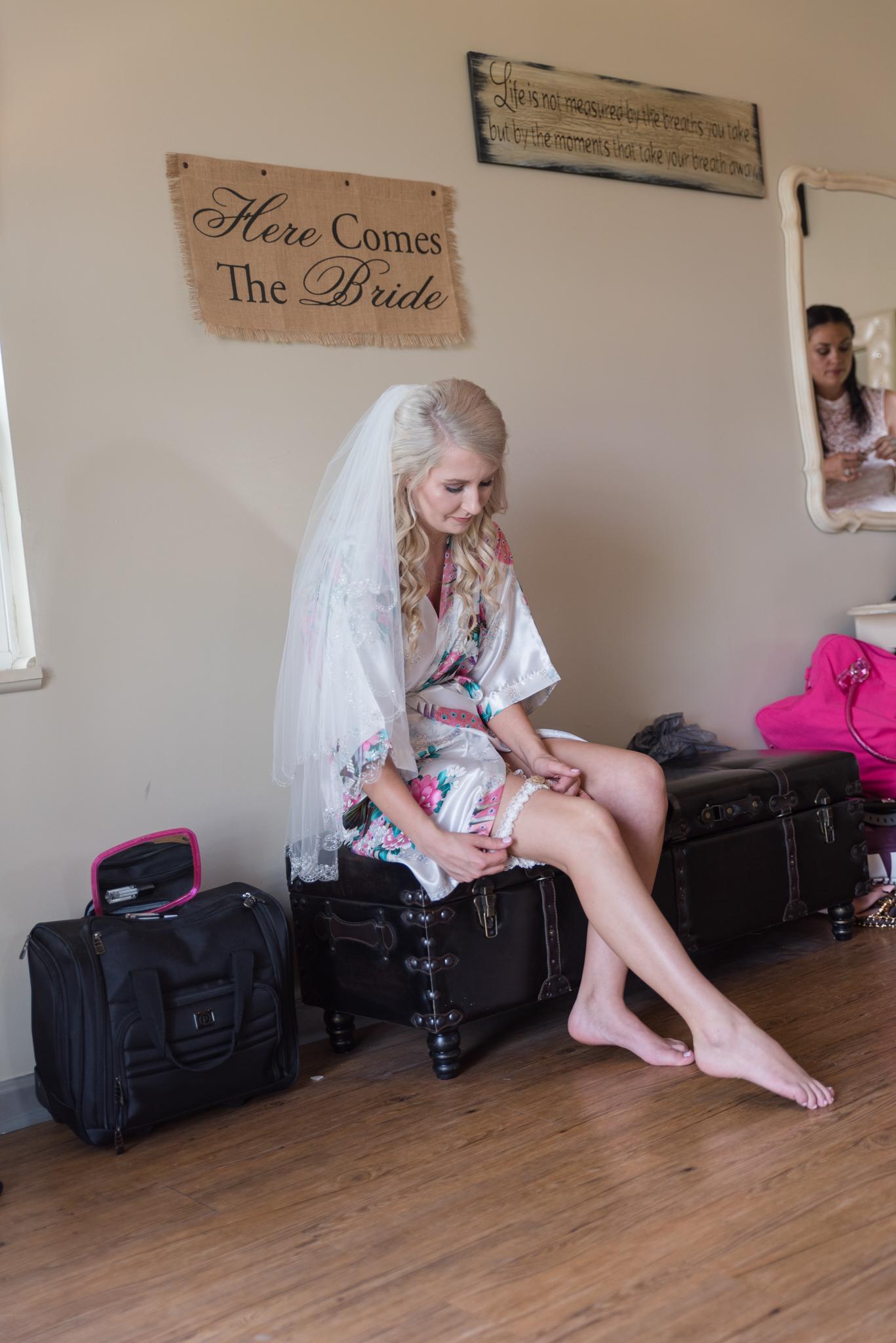getting ready, Kentucky wedding, Lexington KY wedding photographer, Dry Ridge wedding photographers