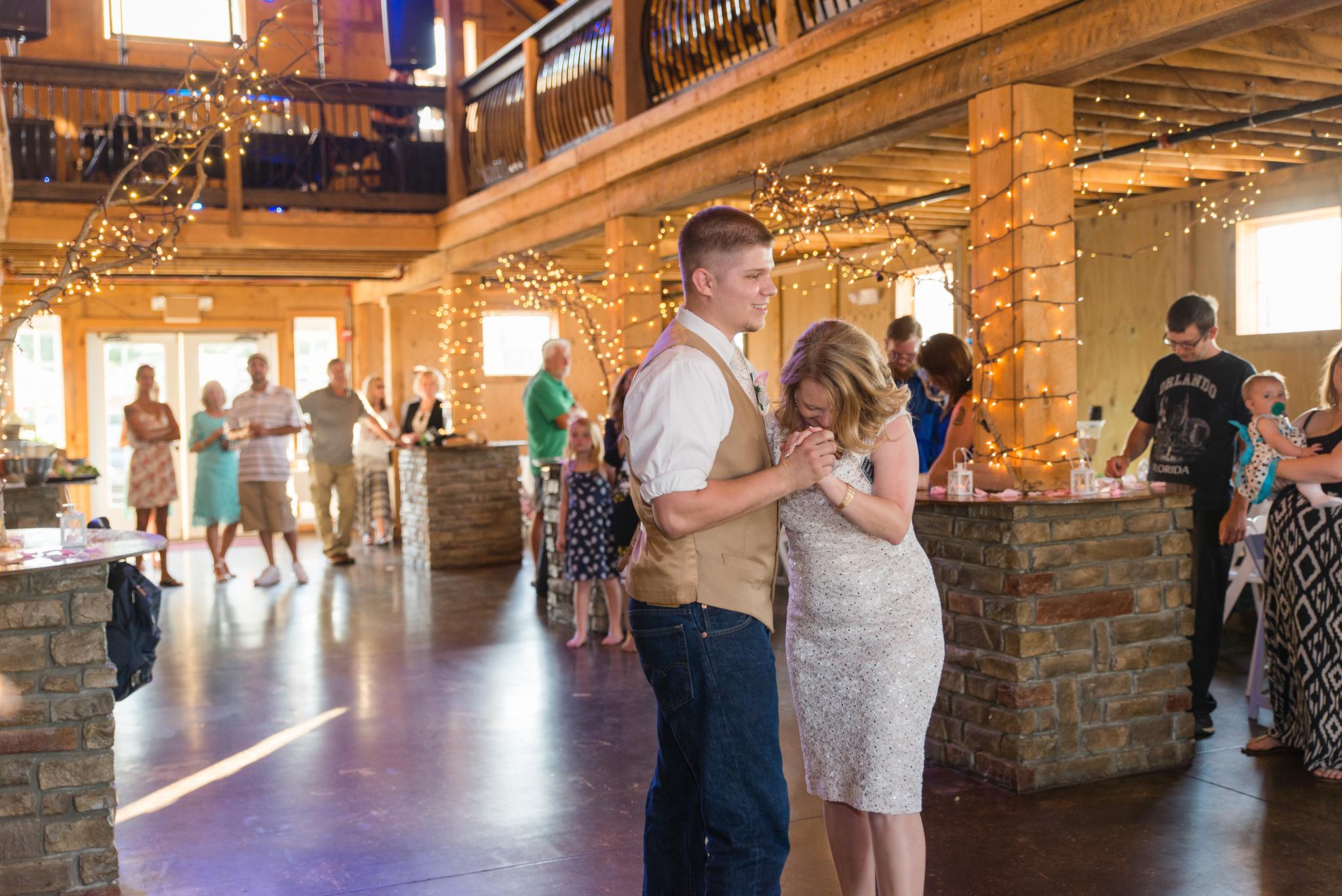 Kentucky, KY wedding, barn wedding, dance, Josephina Event Venue, Dry Ridge, Louisville, Lexington, Somerset, Ashland, Morehead, Winchester, Mt Sterling, West Chester
