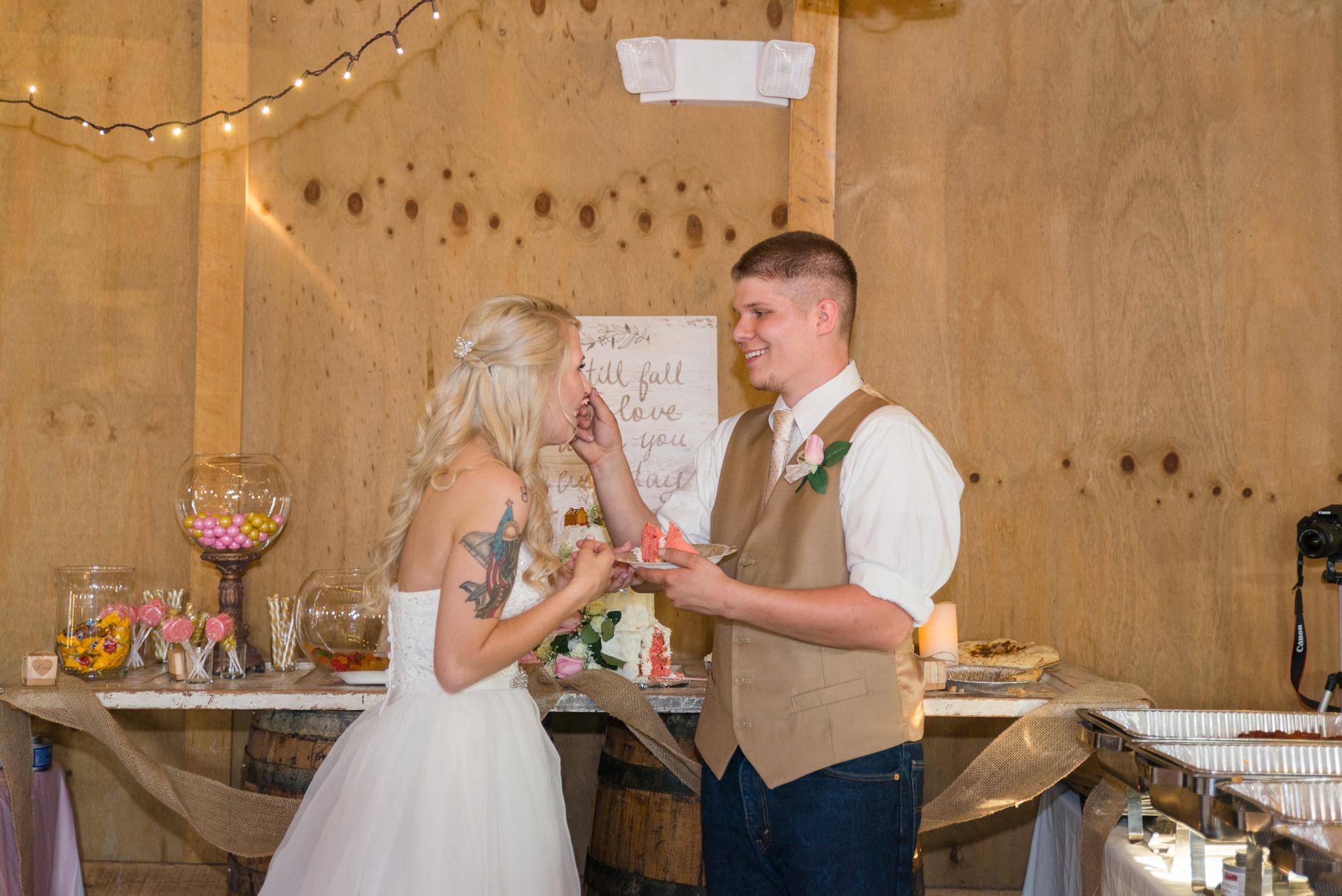 Kentucky, KY wedding, barn wedding, wedding cake, Josephina Event Venue, Dry Ridge, Louisville, Lexington, Somerset, Ashland, Morehead, Winchester, Mt Sterling, West Chester