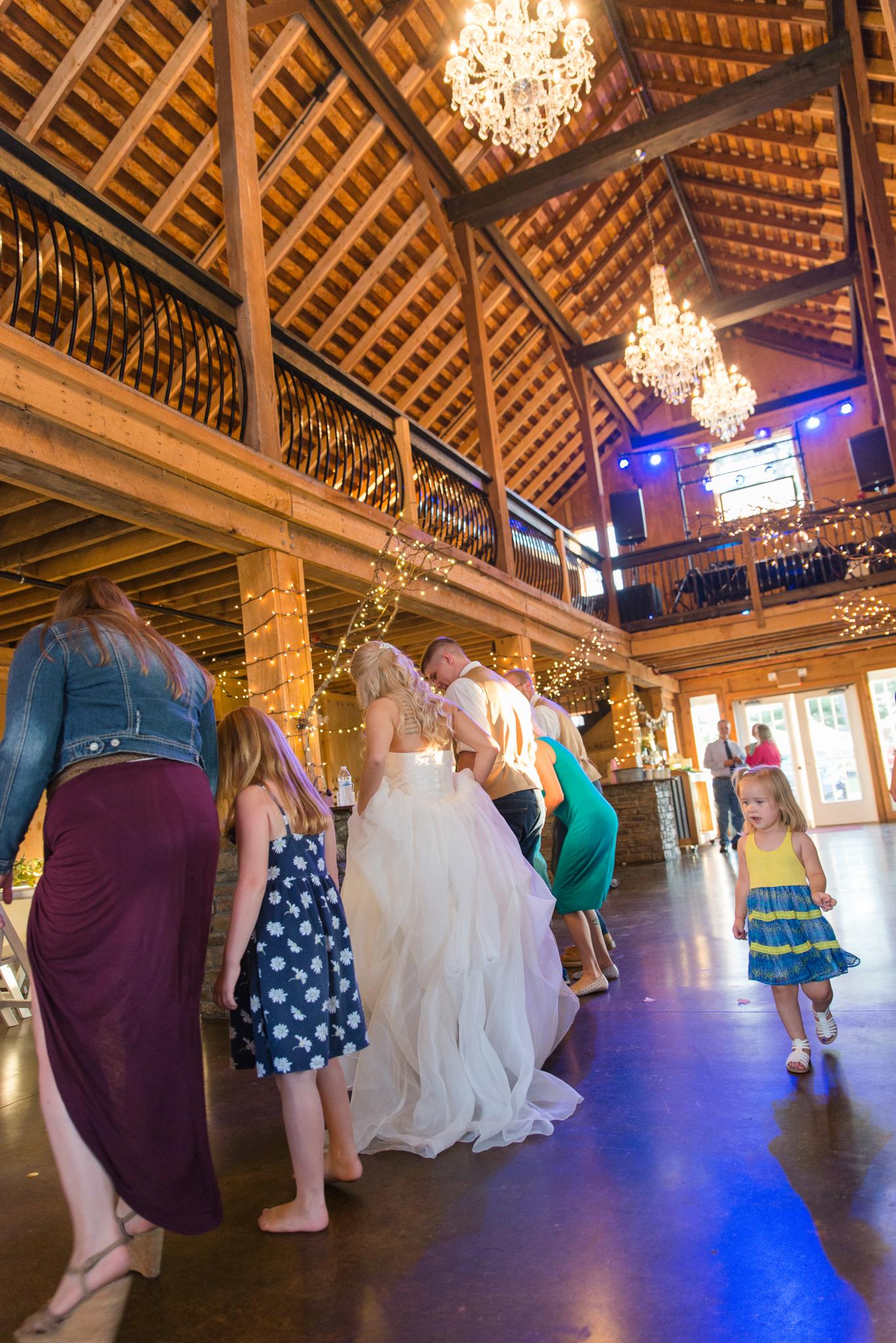 Kentucky wedding, reception, KY bride, KY wedding barn, Josephina Event Venue, Central KY wedding photographers, Kentucky wedding photographers