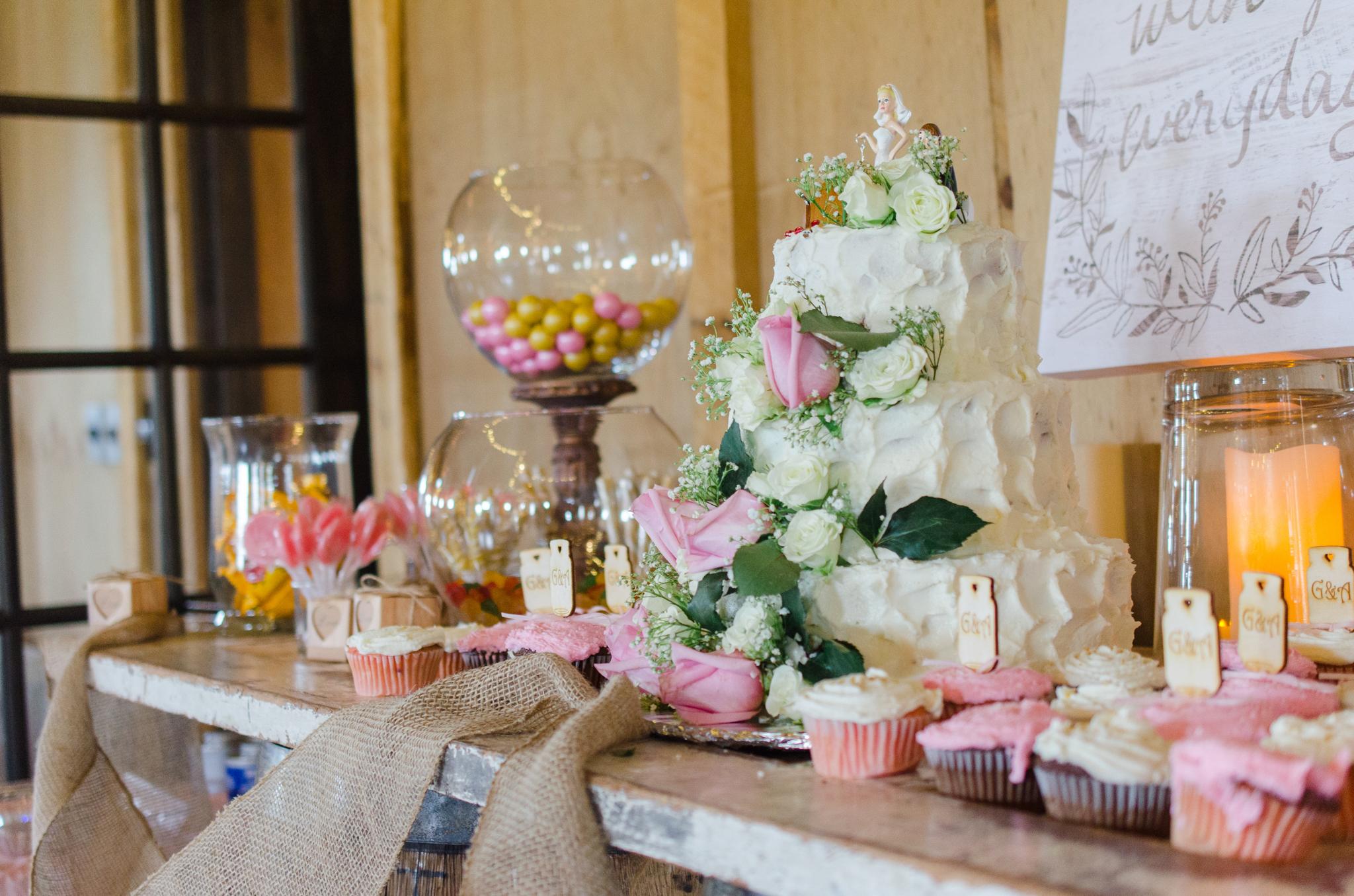 Wedding cake, cake, barn wedding, Josephina Event Venue, Dry Ridge, Lexington, Louisville, West Chester, Mt Sterling, Ashland