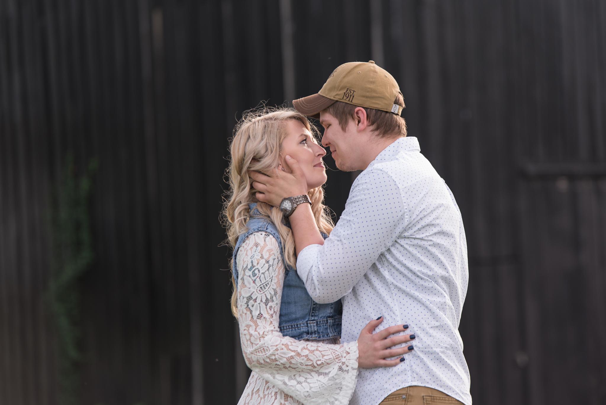 Lexington KY engagement photo of couple