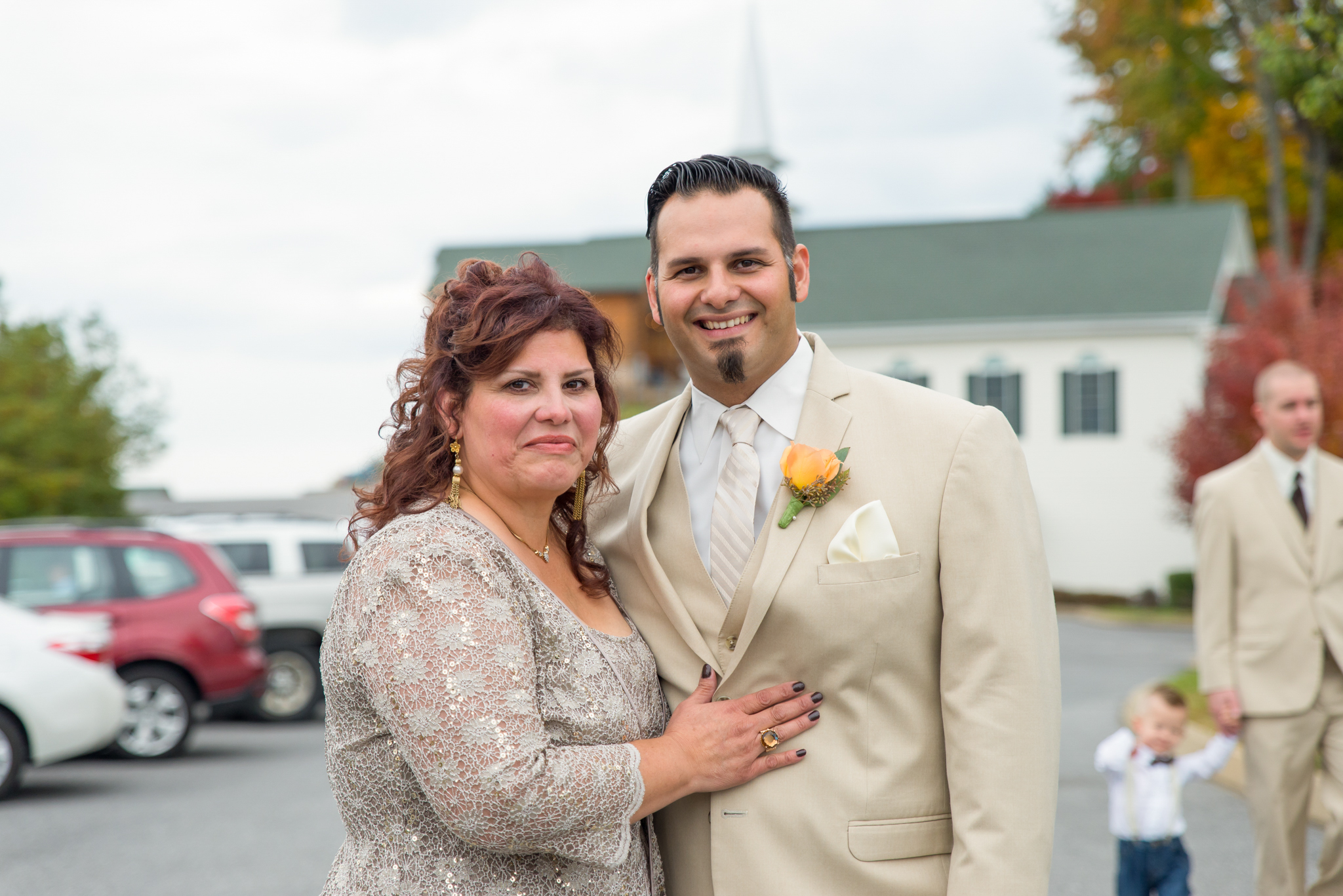Groom and his mother before the wedding
