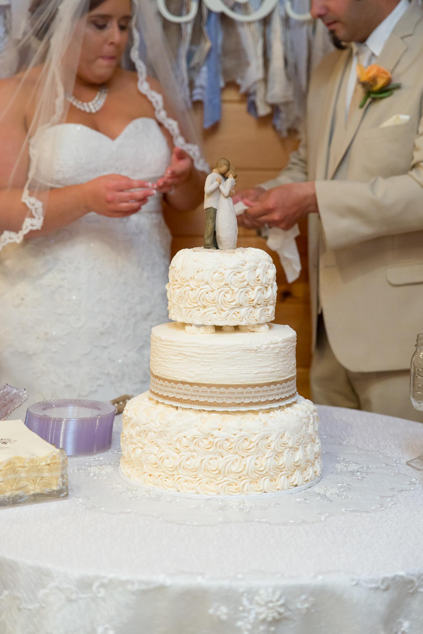 Gatlinburg TN wedding cake