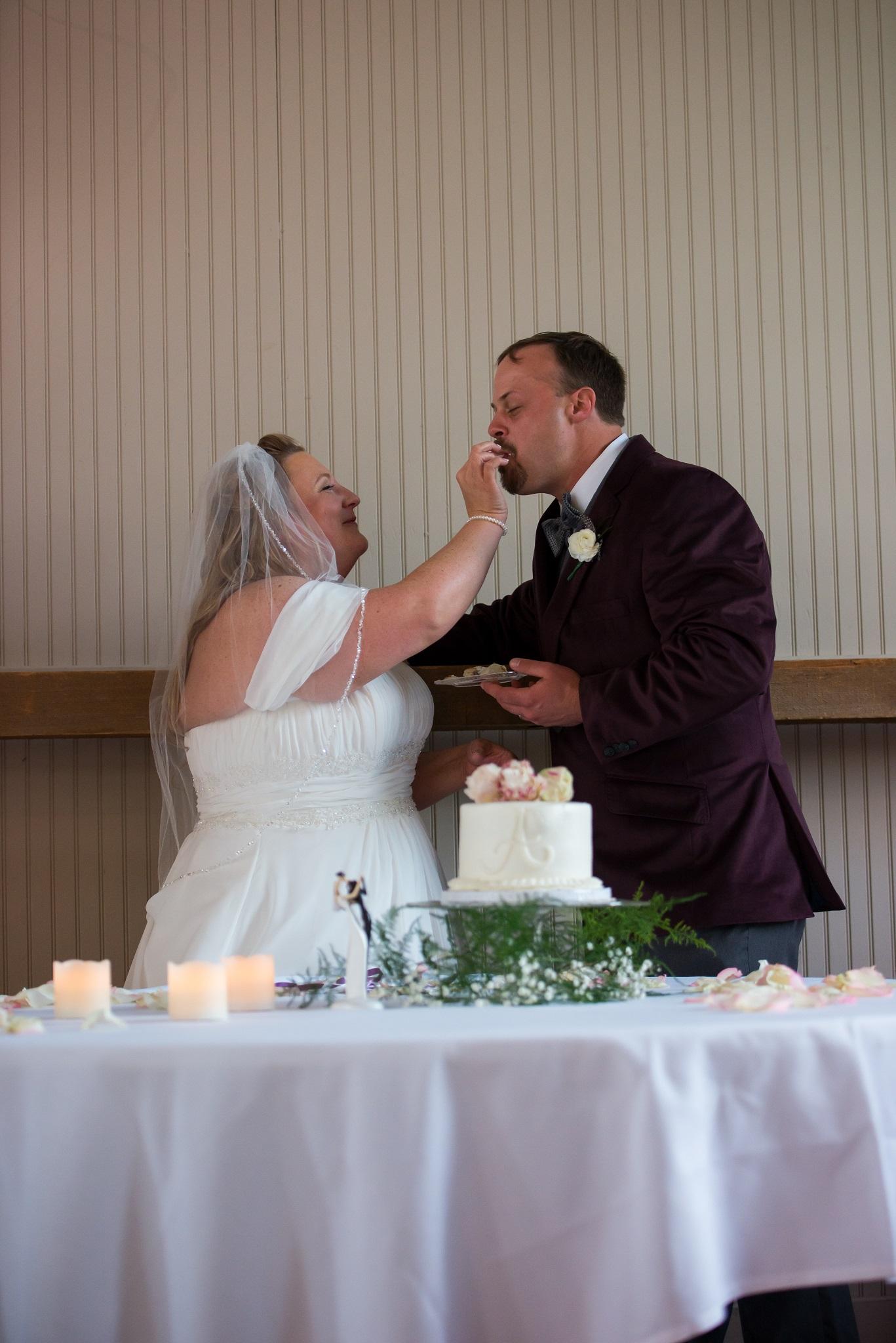 Cincinnati, OH Outdoor Wedding Photography: Matthew and Michelle
