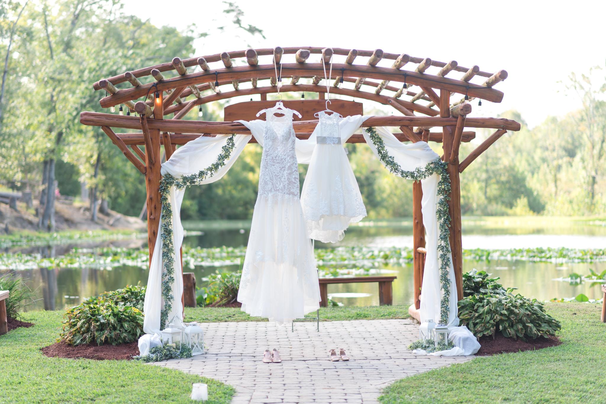 wedding dress, Red River Gorge, Kentucky wedding photographer